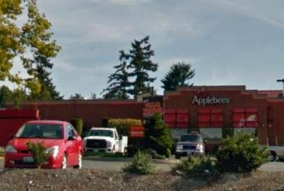 Applebee's, 1919 S 72nd St