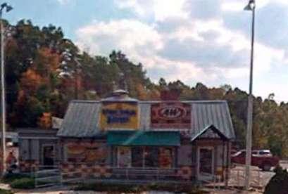 A&W Restaurant, 3085 Cedar Valley Dr