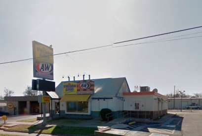 A&W Restaurant, 615 W Moore Ave