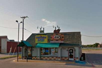 A&W Restaurant, 680 W Pioneer Pkwy