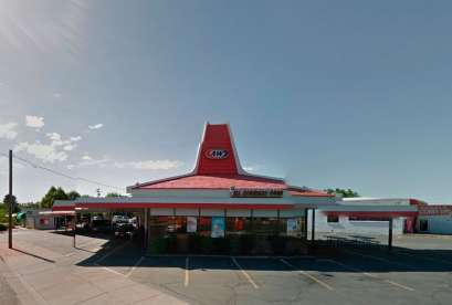 A&W Restaurant, 701 N Main St