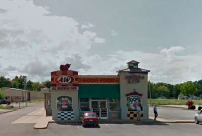 A&W Restaurant, 970 Pickwick St