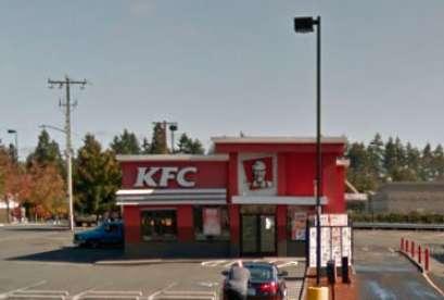 KFC, 13450 Aurora Ave N