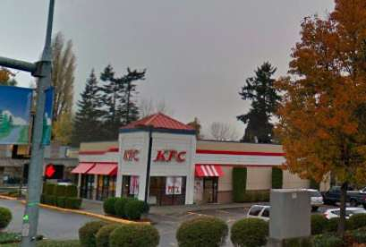 KFC, 17100 140th Ave NE