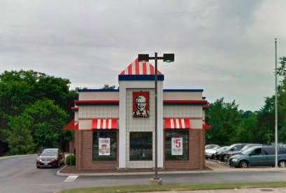 KFC, 915 N Main St