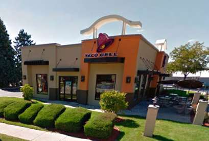 Taco Bell, 112 N Chicago Ave