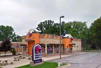 Taco Bell, 2404 S Oneida St