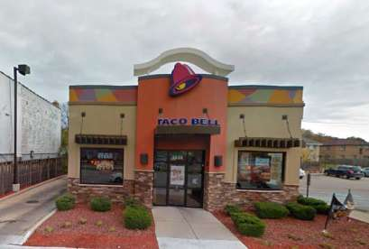 Taco Bell, 3334 S 27th St