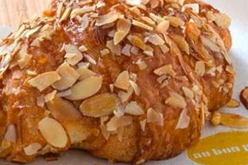Au Bon Pain Almond Croissant