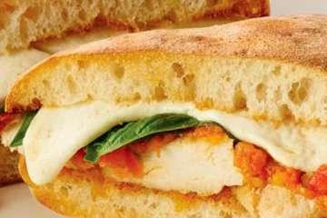 Au Bon Pain Oven Hot Chicken Margherita