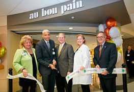 Au Bon Pain opens first of two hospital restaurants