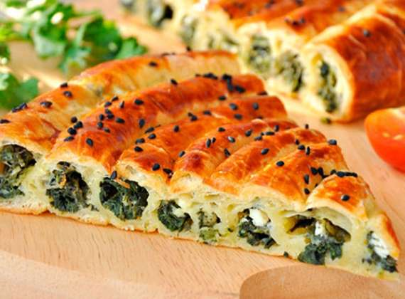 Pie with spinach and cheese