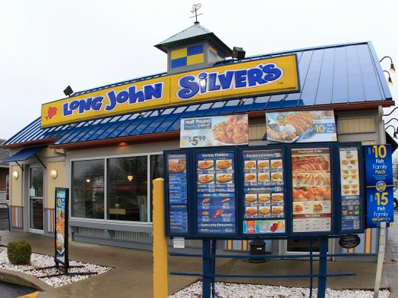 Long John Silver's is a nautical themed franchise. Its main attraction is its fast-food seafood meals. Breaded and fried, the company uses various fish for its meals. The restaurants have a chill atmosphere, complete with an oceanic theme. It's a unique restaurant among other franchises with a .