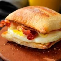 Au Bon Pain 2 Egg, Bacon & Cheddar on Ciabatta