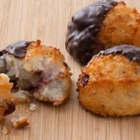 Au Bon Pain Chocolate Dipped Cranberry Almond Macaroon