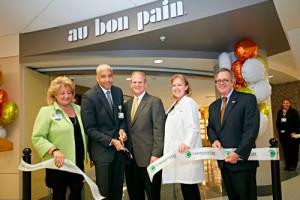 Au Bon Pain opens restaurants
